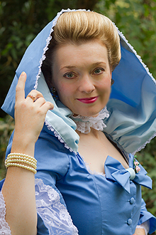 fiona-harrison-period-costume-10