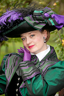 fiona-harrison-period-costume-3-1