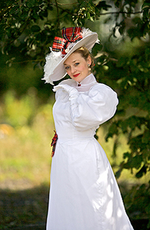 fiona-harrison-music-hall-costume-artist-5