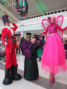 Stilt Walking in Aylesbury's Friars Square!