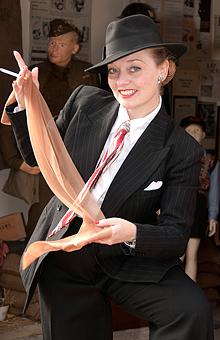fiona-harrison-1940s-fashion-spiv-entertainer