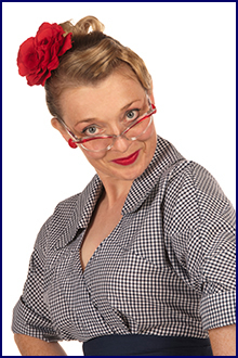 fiona-harrison-1950s-fashion-specs