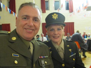 Lynda and Glen Looking Very Smart!