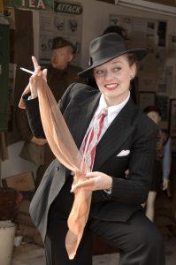 Fiona Harrison as Evette the Spivette